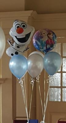 Olaf Frozen balloons.